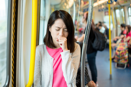 Foto per Woman suffer from cough - Immagine Royalty Free