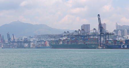 Foto per Kwai Tsing, Hong Kong, 02 May 2018:- Kwai Tsing Container Terminal in Hong Kong - Immagine Royalty Free