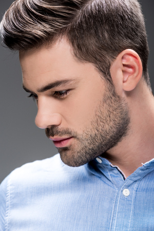 Photo pour man with fashionable hairstyle - image libre de droit