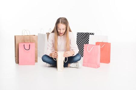 Foto de teen girl with shopping bags - Imagen libre de derechos