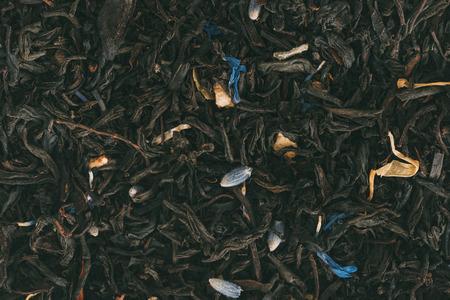 Foto de texture of flavored black tea with herbs  - Imagen libre de derechos