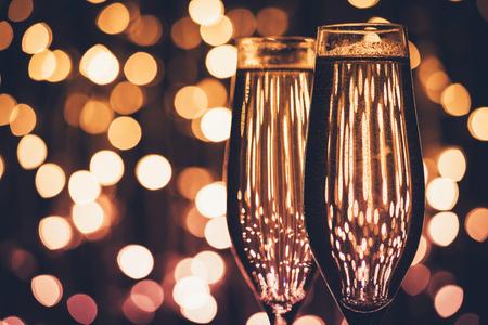 Foto de glasses of champagne - Imagen libre de derechos