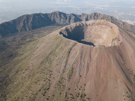 Photo pour aerial view of scenic mount vesuvius, Naples in Campania, Italy - image libre de droit