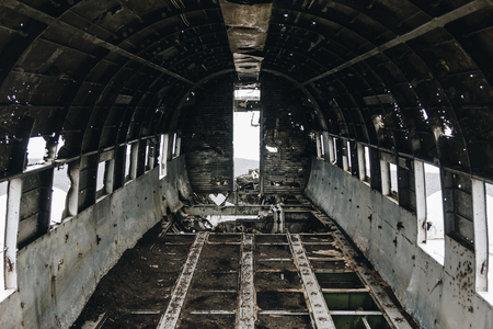Photo pour inside of DC3 Plane wreck in Solheimasandur beach, Iceland - image libre de droit