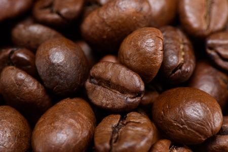 Foto de full frame of roasted coffee beans backdrop - Imagen libre de derechos