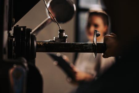 Foto de selective focus of coffee roaster operating coffee roasting machine - Imagen libre de derechos