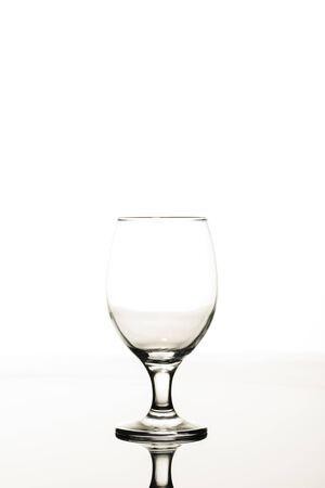 Foto de empty transparent glass isolated on white - Imagen libre de derechos
