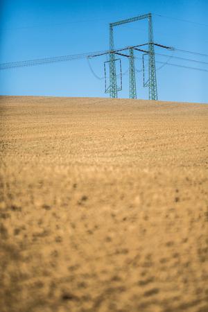 Photo pour Climate change concept - very dry farm field - image libre de droit