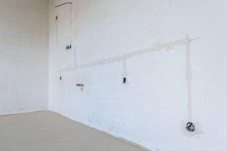 Foto de Interior empty apartment room n a new building renovation or under construction - Imagen libre de derechos