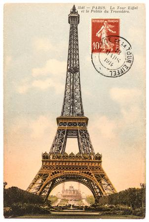 Photo pour vintage postcard with Eiffel Tower  La Tour Eiffel  in Paris, France, circa 1914 - image libre de droit