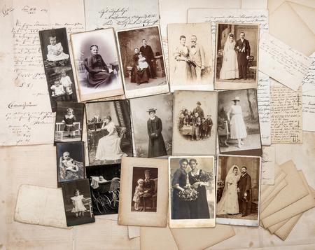 Photo pour old letters and antique family photos. original vintage pictures from ca. 1900 - image libre de droit