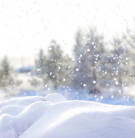 Foto de Christmas winter background with snow - Imagen libre de derechos