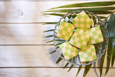 Foto de top view checker cookies shape and size like ketupat - Imagen libre de derechos