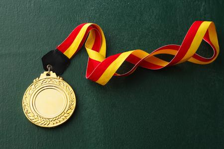 Photo pour gold medals isolated blackboard - image libre de droit