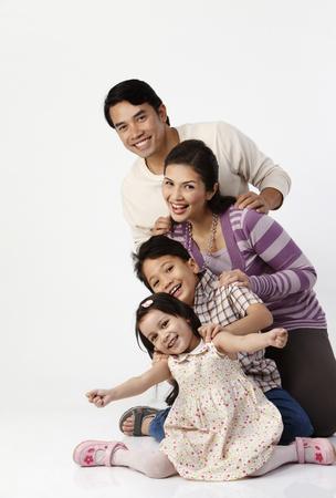 Photo pour family line up in a row - image libre de droit