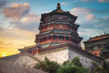 Foto de Summer Imperial Palace is the summer residence of the emperors on the outskirts of Beijing. - Imagen libre de derechos