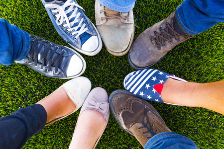 Photo pour Circle shoe teenager for friendship - image libre de droit