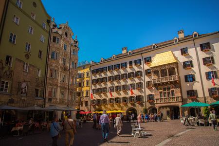Photo pour Golden Roof in city square of Innsbruck - image libre de droit
