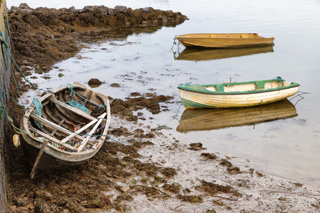 Photo pour Boats in a Pier in Oranmore, Galway bay, Galway, Ireland - image libre de droit