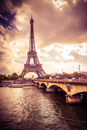Photo pour Beautiful Eiffel Tower in Paris France under golden light - image libre de droit