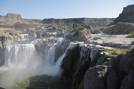 Foto de in USA the twin falls in idaho  the beauty of amazing nature tourist destination - Imagen libre de derechos