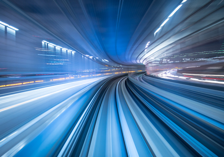 Foto per Motion blur of train moving inside tunnel in Tokyo, Japan - Immagine Royalty Free