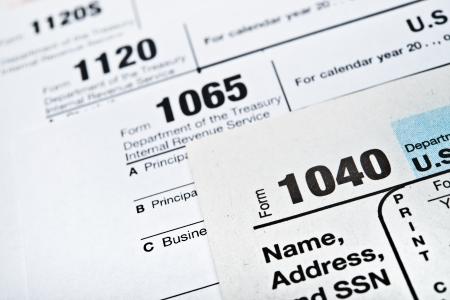 Photo pour U.S. Income Tax Return forms 1040,1065,1120 - image libre de droit