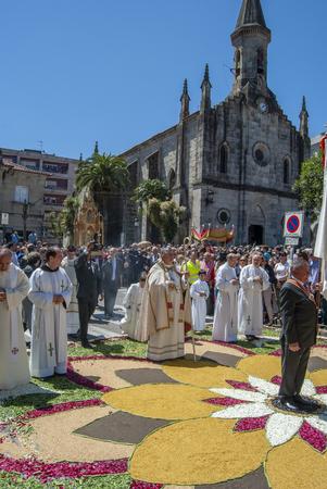 Foto de Ponteareas, Pontevedra, Spain; 06 02 2013: procession of the Corpus Christi of Ponteareas - Imagen libre de derechos