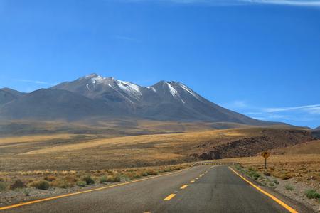 Photo pour Road Trip to the High Altitude Desert of Atacama Desert in northern Chile, South America - image libre de droit