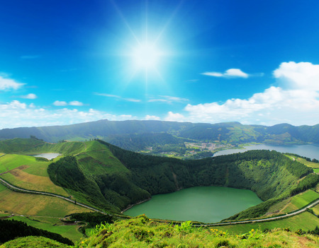 Photo pour Beautiful lake of Sete Cidades, Azores, Portugal Europe - image libre de droit