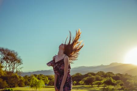 Foto de Woman moving her hair - Imagen libre de derechos