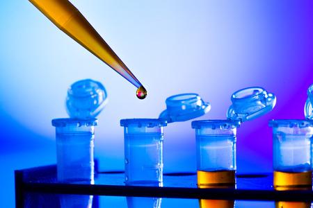Foto de reprogenetics research in the laboratory, test tubes and pipette - Imagen libre de derechos