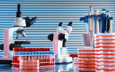 Foto de workbench in microbiological laboratory - Imagen libre de derechos