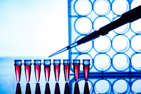 Foto de PCR strip in genetic laboratory - Imagen libre de derechos