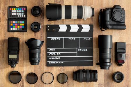 Foto de professional of cameras and camera lens top view - Imagen libre de derechos