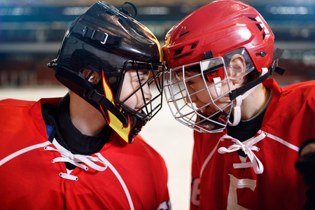 Foto de Ice hockey - Youth boys players - Imagen libre de derechos