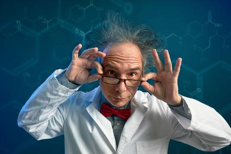 Foto de Crazy chemist with glasses - Imagen libre de derechos
