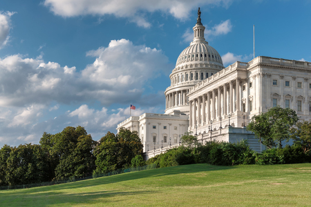 Photo pour The United States Capitol building at sunny day in Washington DC, USA. - image libre de droit