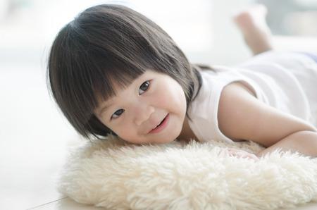 Foto für Closeup photo of cute asian baby's expression - Lizenzfreies Bild