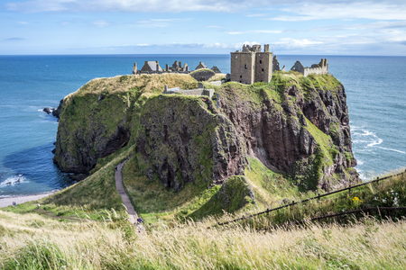 Foto de Dunnottar castle ruins - Stonehaven - Scotland - Imagen libre de derechos