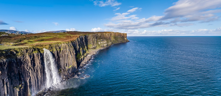 Photo pour Aerial view of the dramatic coastline at the cliffs by Staffin with the famous Kilt Rock waterfall - Isle of Skye - Scotland - image libre de droit