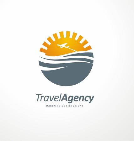 Foto de Creative symbol design concept with sun and ocean - Imagen libre de derechos