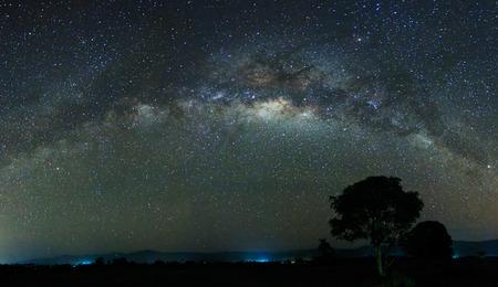 Photo pour Panoramic shot of the  milky way at Sabah, East Malaysia, Borneo - image libre de droit