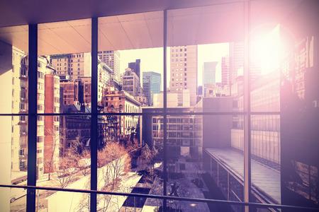 Foto de Retro vintage stylized picture of Manhattan with flare effect, New York City, USA. - Imagen libre de derechos