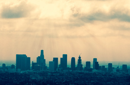 Foto de Beautiful Los Angeles skyline silhouette against sunset - Imagen libre de derechos