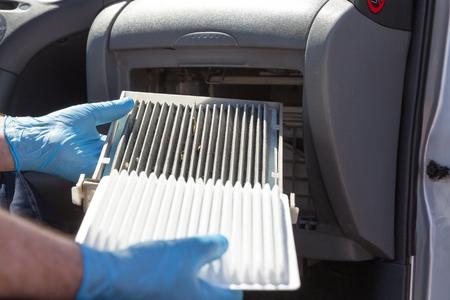 Photo pour Replacing the cabin air filter - image libre de droit