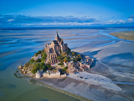 Foto de Top view of the Mont Saint Michel Bay, Normandy France - Imagen libre de derechos