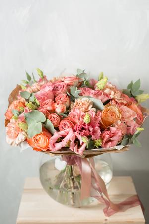 Photo pour Flower composition on a gray background. Powdery pink color. copy space. closeup - image libre de droit