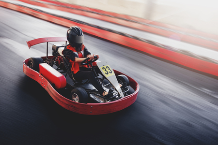 Foto per Go kart speed rive indor race oposition race - Immagine Royalty Free