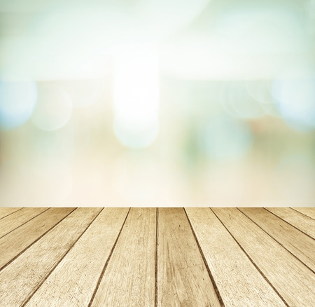 Photo pour Perspective wood and blurred store with bokeh background - image libre de droit